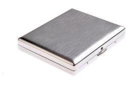 Retro Zigarettenetui aus Stahl