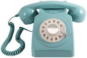 Klassisches 70er Jahre Retro Telefon in Baby-Blau
